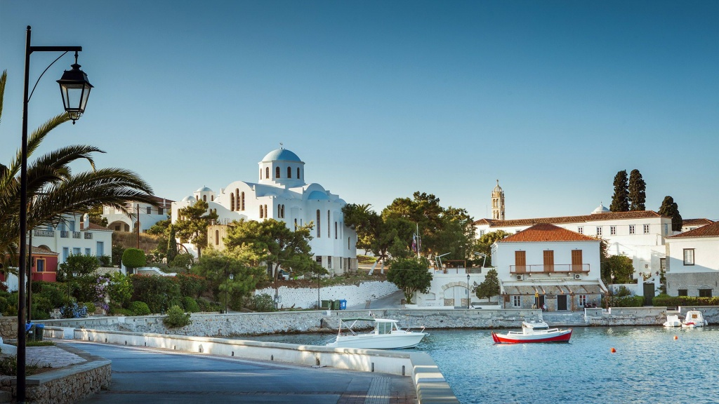 4_church-in-spetses-island.jpg